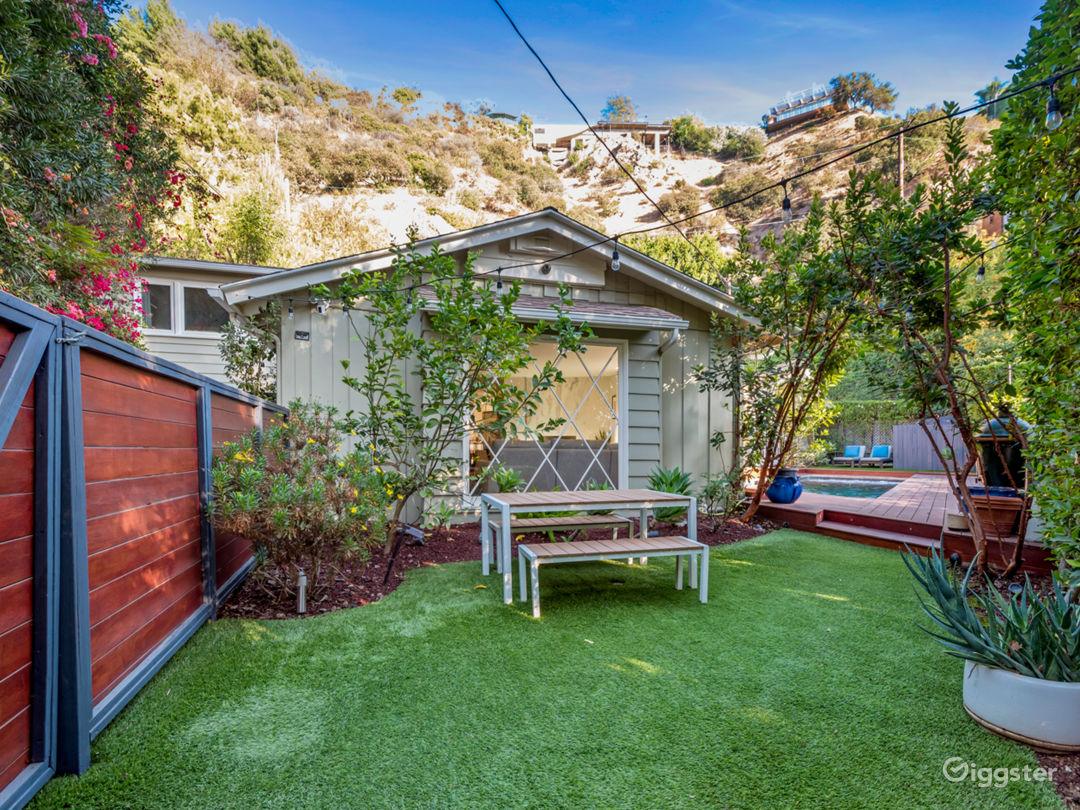 Private area within the backyard. Great for commercial shoots
