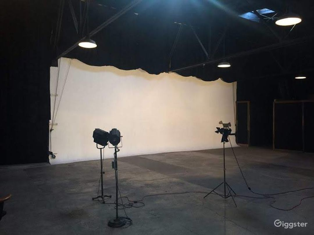 Huge, Affordable Production Space Photo 3