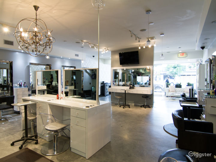 Posh Salon in Burbank Photo 2