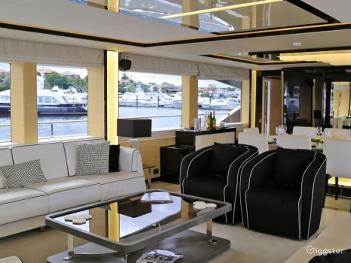 Majestic 122ft GHOST II Yacht for Events Photo 5