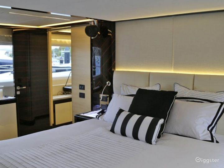 Majestic 122ft GHOST II Yacht for Events Photo 3
