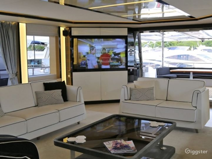 Majestic 122ft GHOST II Yacht for Events Photo 2
