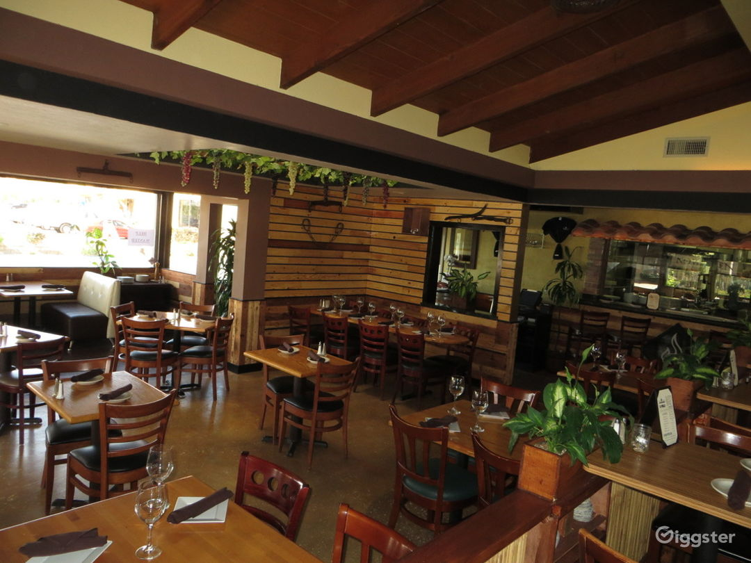 Classy Restaurant with Panoramic View in Carlsbad  Photo 1