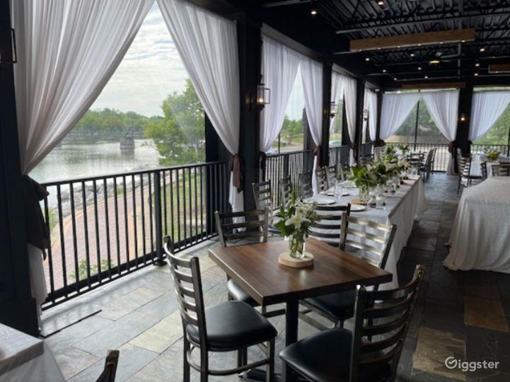 Classic Mediterranean Restaurant in Illinois Photo 3
