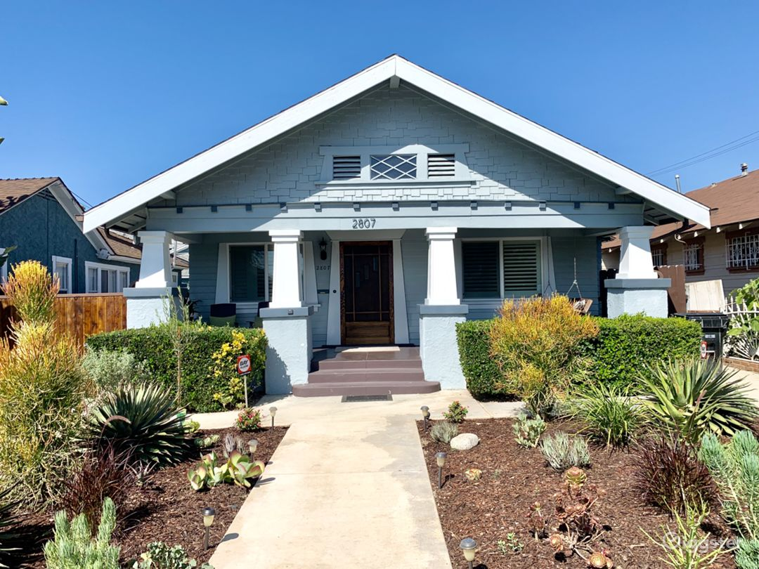 Remodeled 1913 Craftsman - Historic Jefferson Park Photo 4