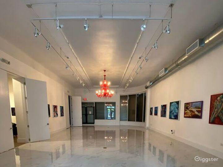 Spacious Art Gallery in Miami, Florida Photo 4