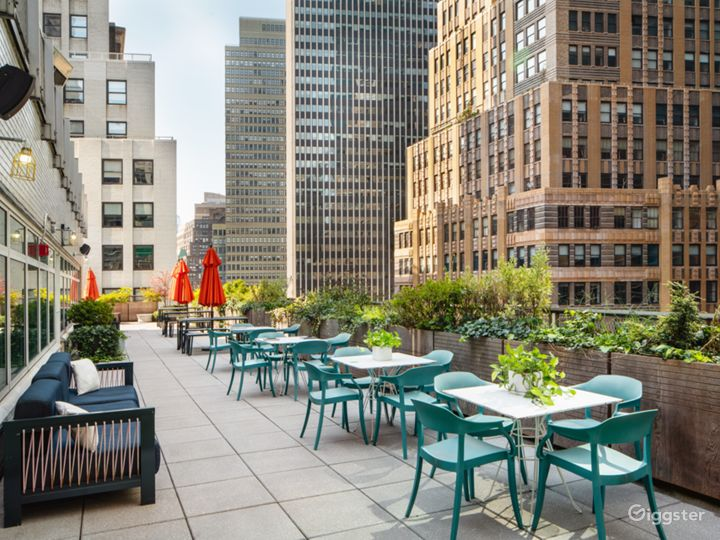 NYC Rooftop Deck w/ Stunning Wrap-Around Rooftop Photo 2