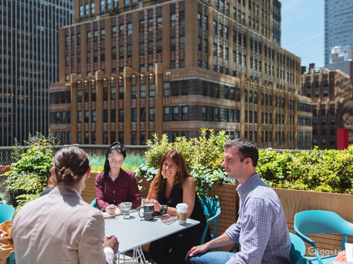 NYC Rooftop Deck w/ Stunning Wrap-Around Rooftop Photo 4