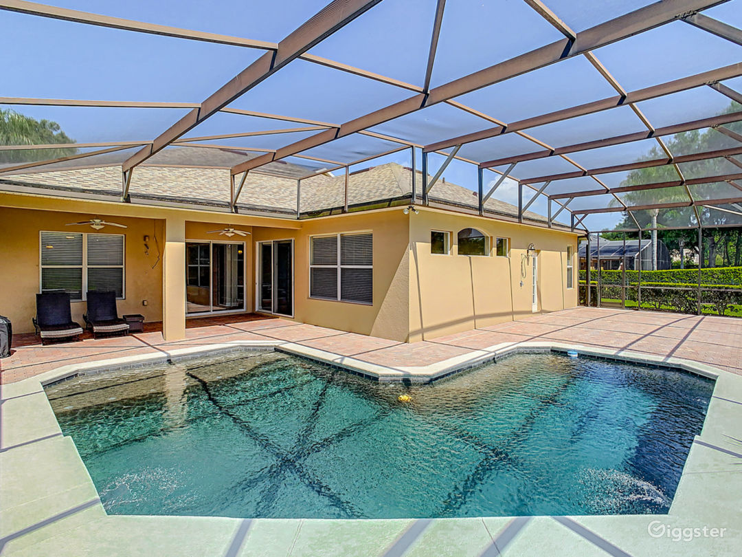 Enclosed Pool and Patio
