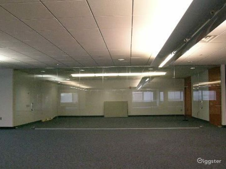Office suites and conference room: Location 4100 Photo 4