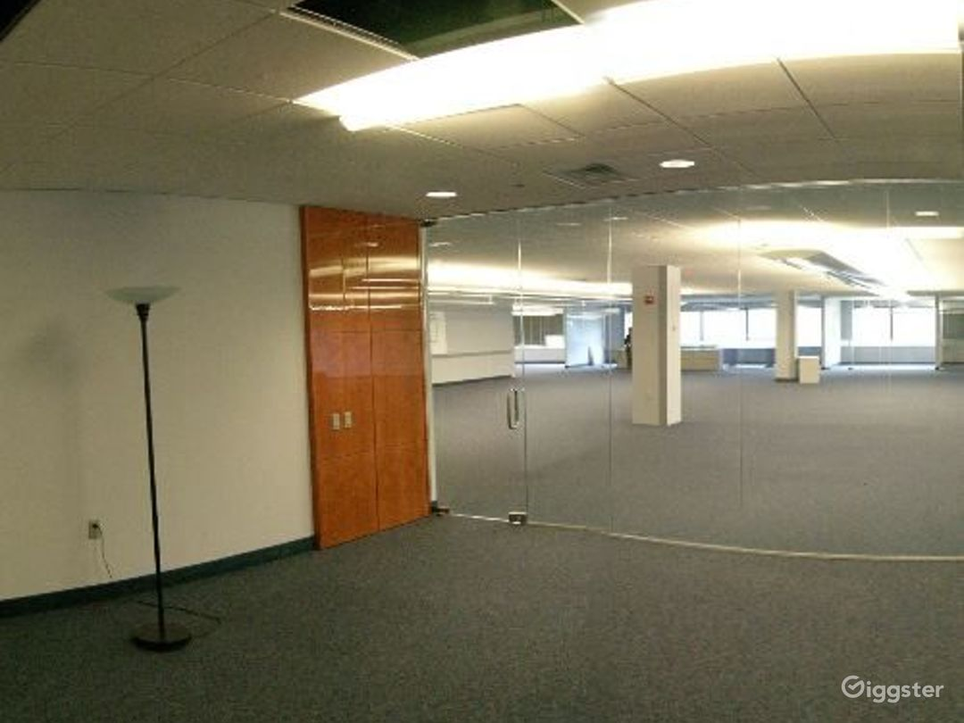 Office suites and conference room: Location 4100 Photo 1