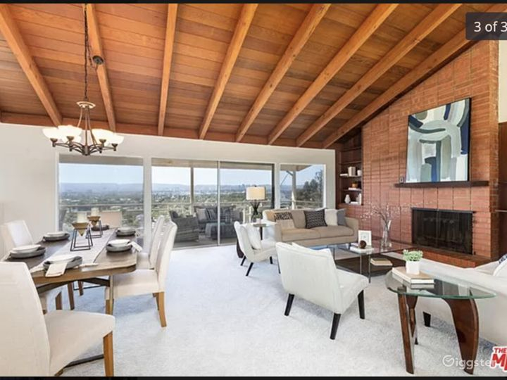Mid-Century Modern Home w/ great view of entire LA Photo 4