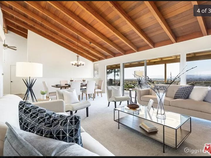 Mid-Century Modern Home w/ great view of entire LA Photo 5