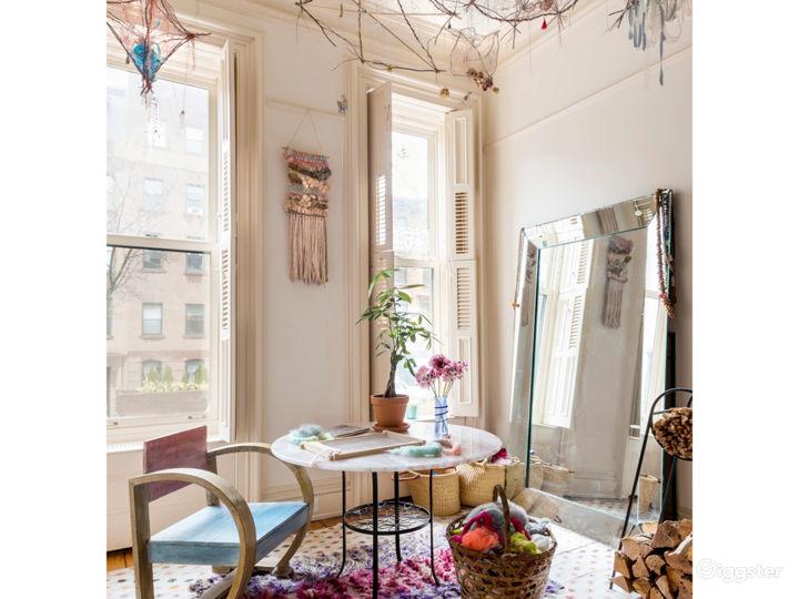 Chateau Cara, 3-story bohemian Brooklyn Townhouse Photo 3