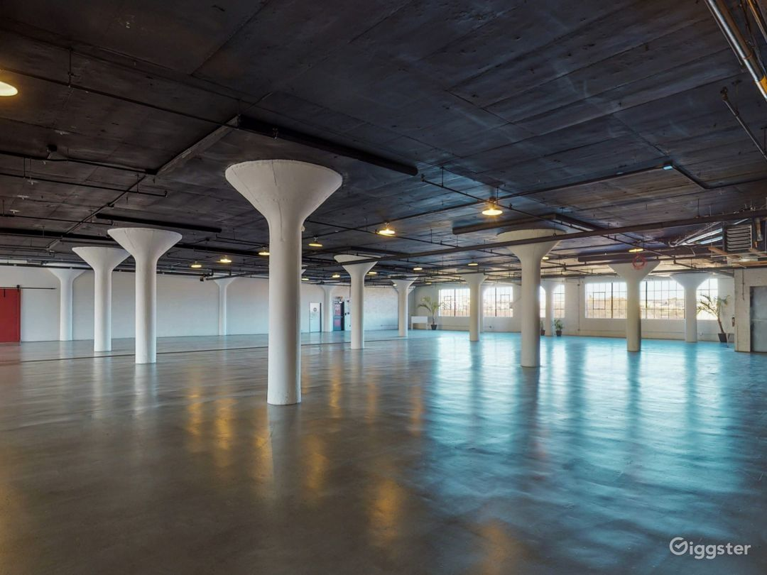 8500 industrial loft style venue. Great location! Photo 4