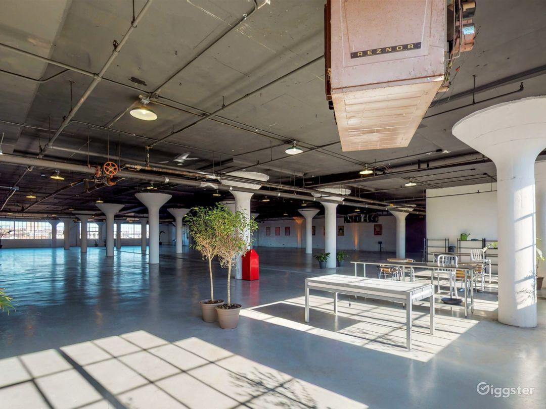 8500 industrial loft style venue. Great location! Photo 5