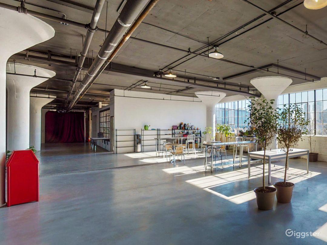 8500 industrial loft style venue. Great location! Photo 1