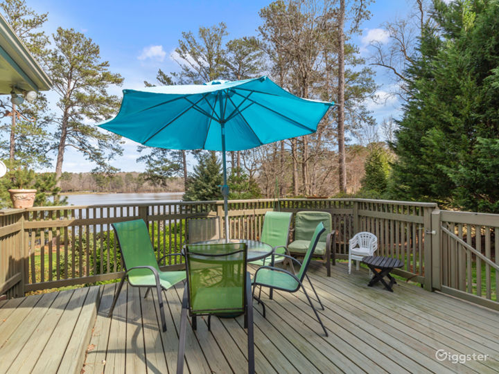 Stone Mountain Lakeside Retreat Photo 2