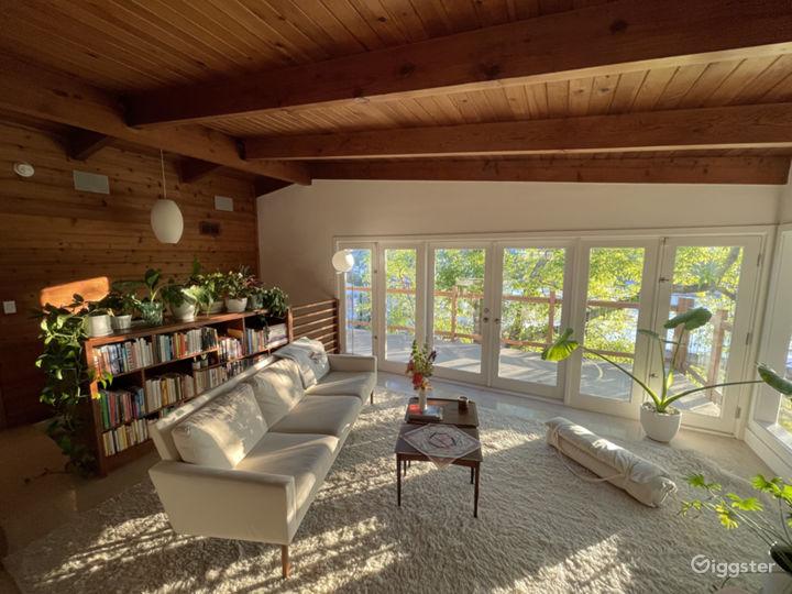 Mid Century Modern Treehouse in Silverlake Hills Photo 3