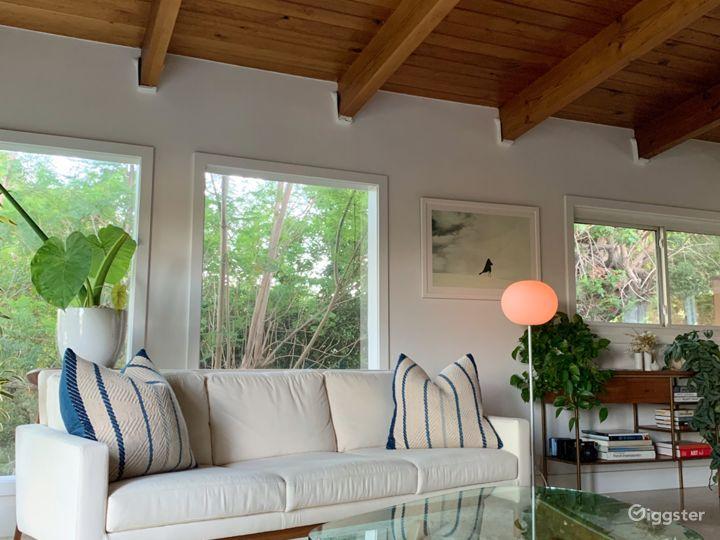Mid Century Modern Treehouse in Silverlake Hills Photo 2