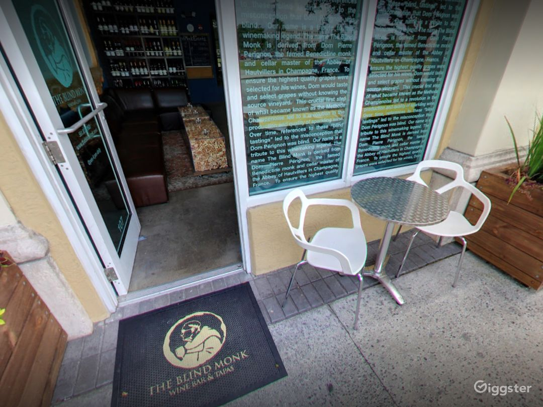 Elegant Wine Garden Patio in West Palm Beach Photo 1