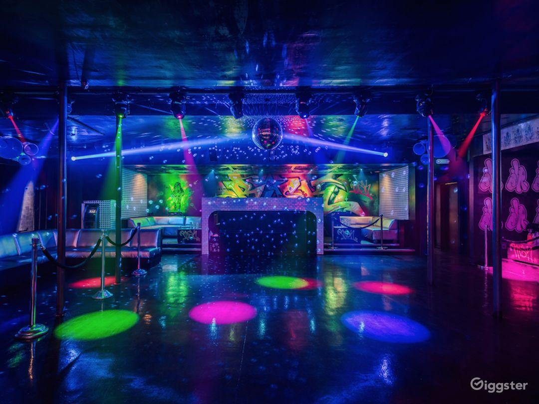 #7004 Bar Club Hollywood Photo 4