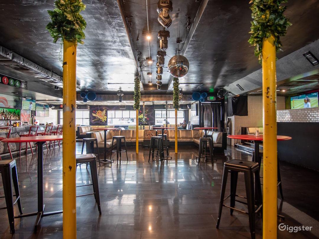 #7004 Bar Club Hollywood Photo 2