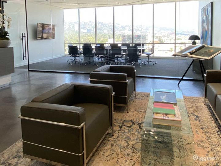 Large Conference Room in Beverly Hills Photo 2