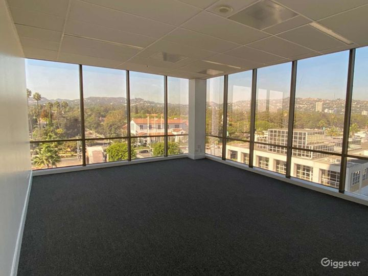 Large Conference Room in Beverly Hills Photo 4