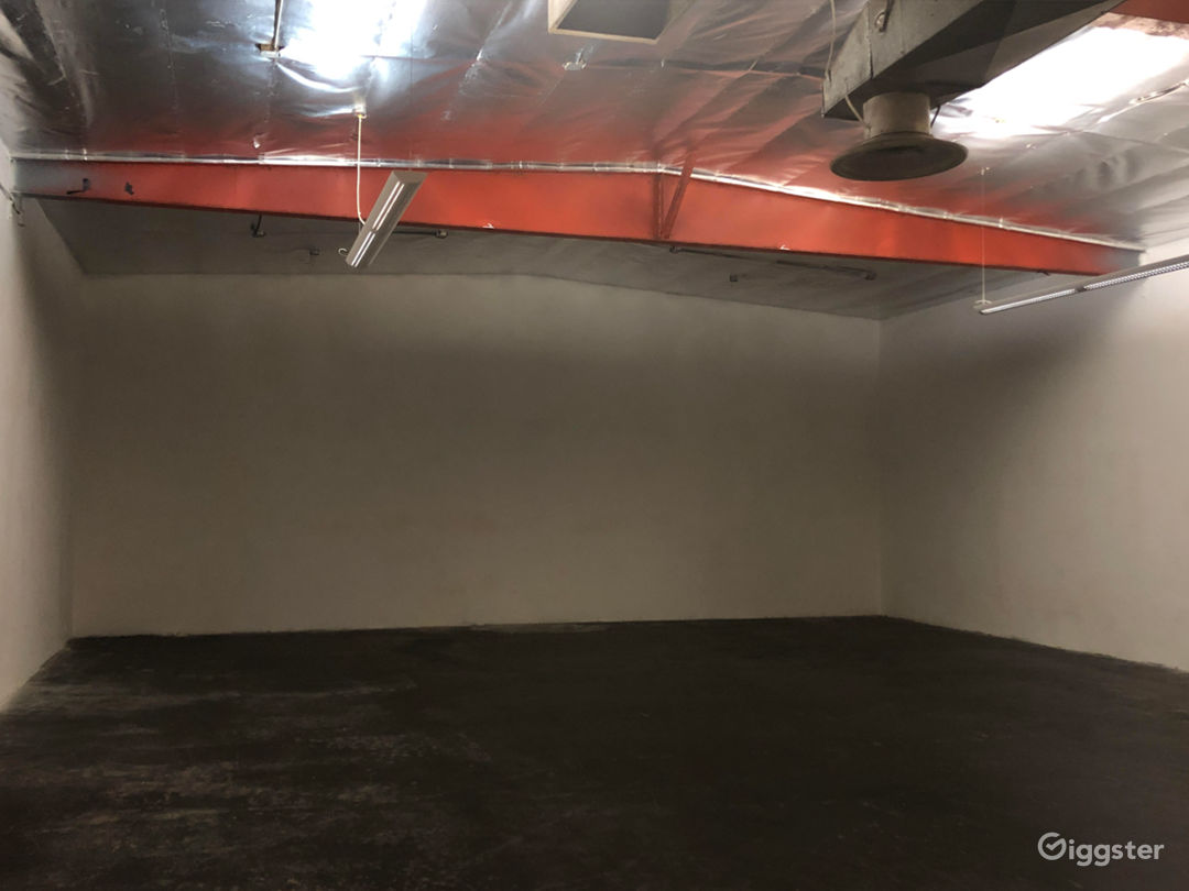 Raw Open Warehouse in North Hollywood Photo 3