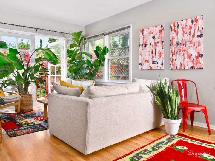 Venice Beach Fashion Shoot House with Tropical Plants Photo 4