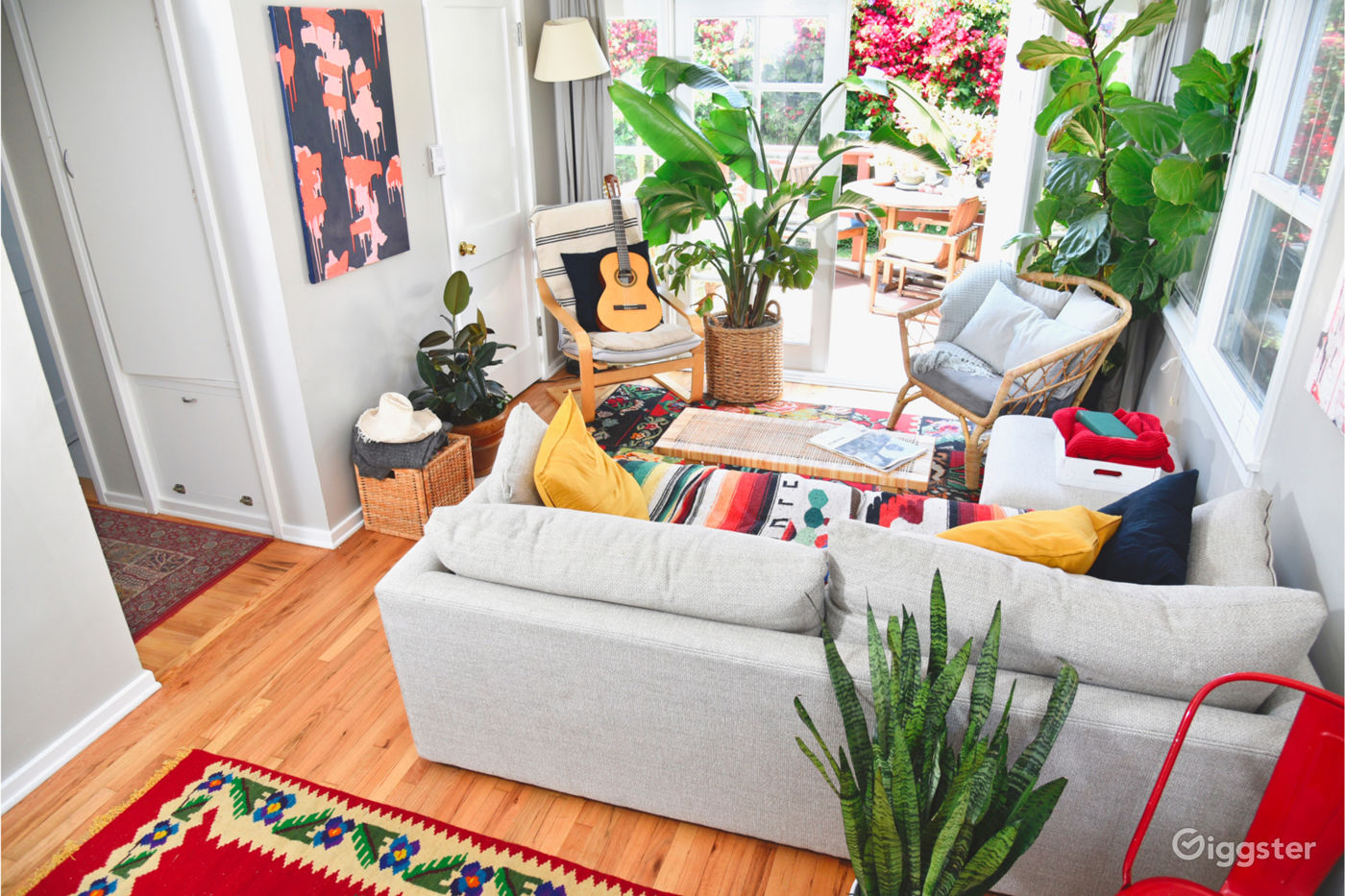 Beach House with Tropical Plants in Venice Los Angeles Rental