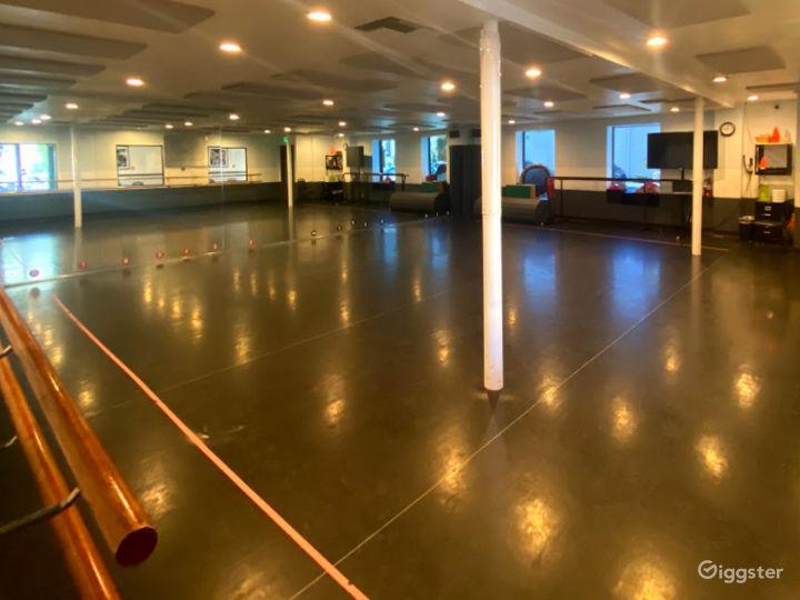 Studio 4  Photo 3