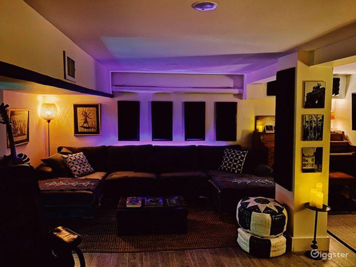 Bedstuy Brownstone w/ Recording Studio, Backyard Photo 4