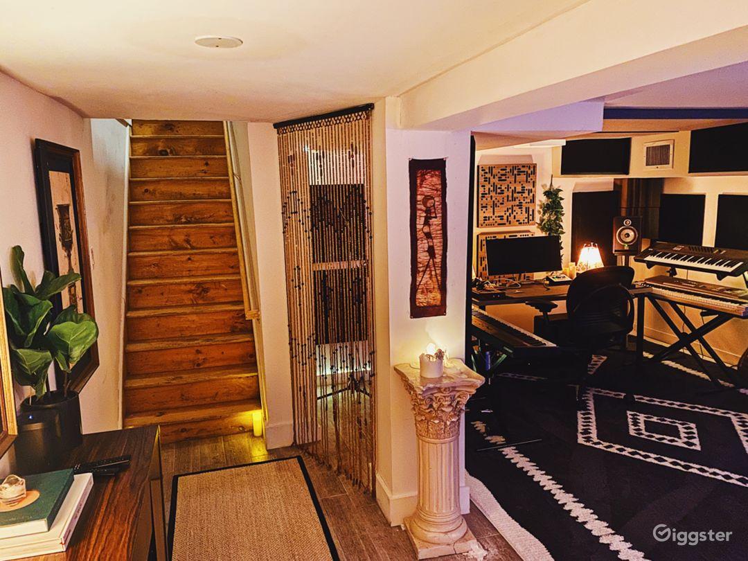 Bedstuy Brownstone w/ Recording Studio, Backyard Photo 1