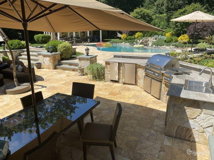 Palatial Resort-like Backyard  Photo 3