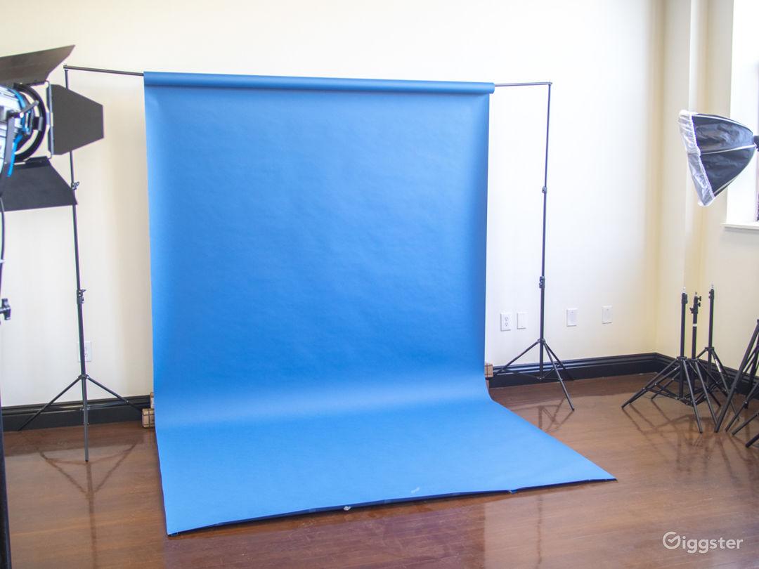 Studio 101 - Classy Studio with Natural Light Photo 3
