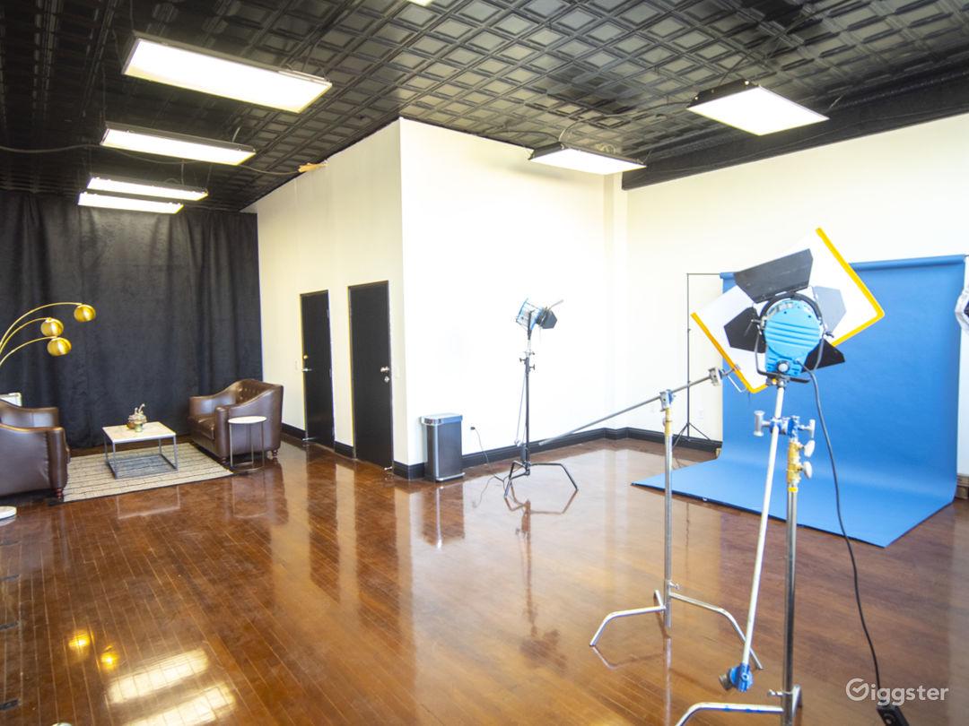 Studio 101 - Classy Studio with Natural Light Photo 2