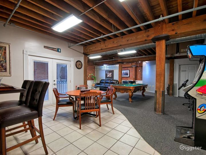 Cave 2- A spacious Room for Meetings in Noblesville Photo 3