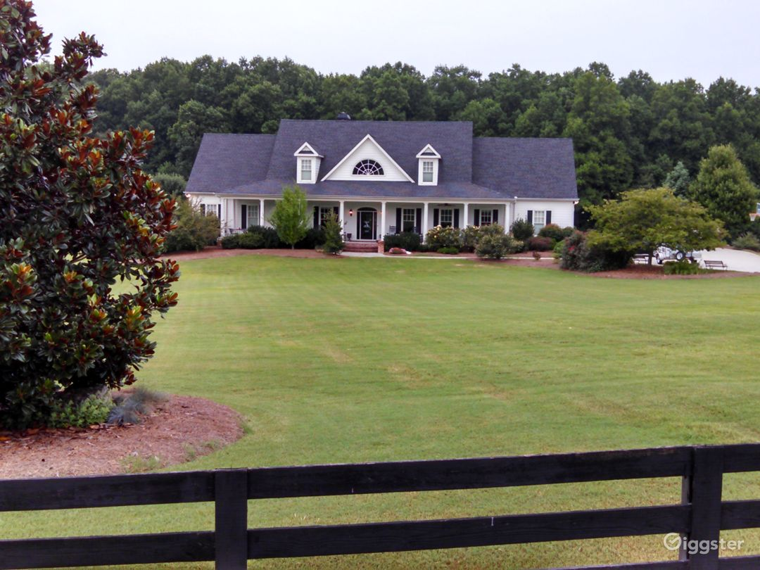 Expansive, Peaceful Southern Country Estate Photo 1
