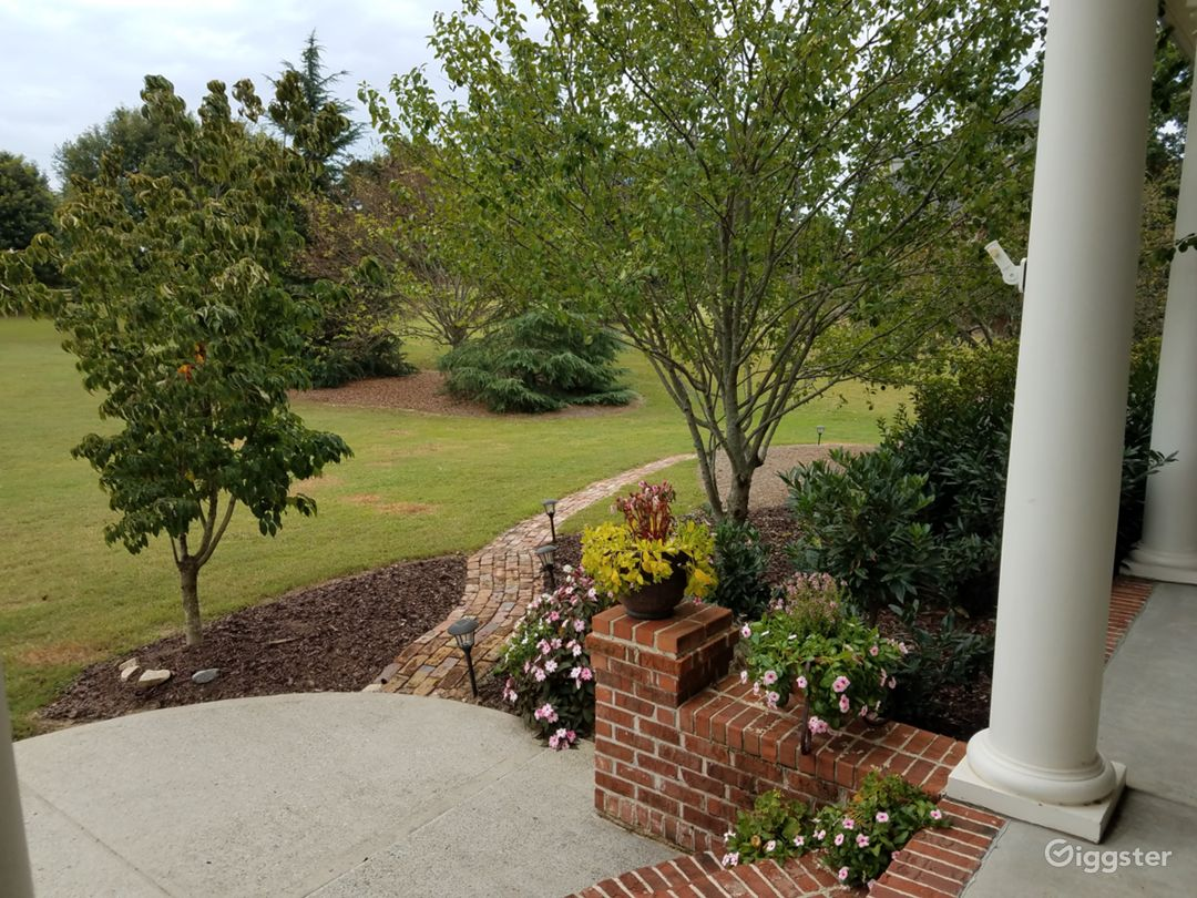 Expansive, Peaceful Southern Country Estate Photo 5