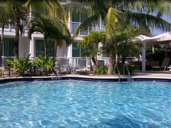 Refreshing Poolside Space and Bar in Brickell Photo 5
