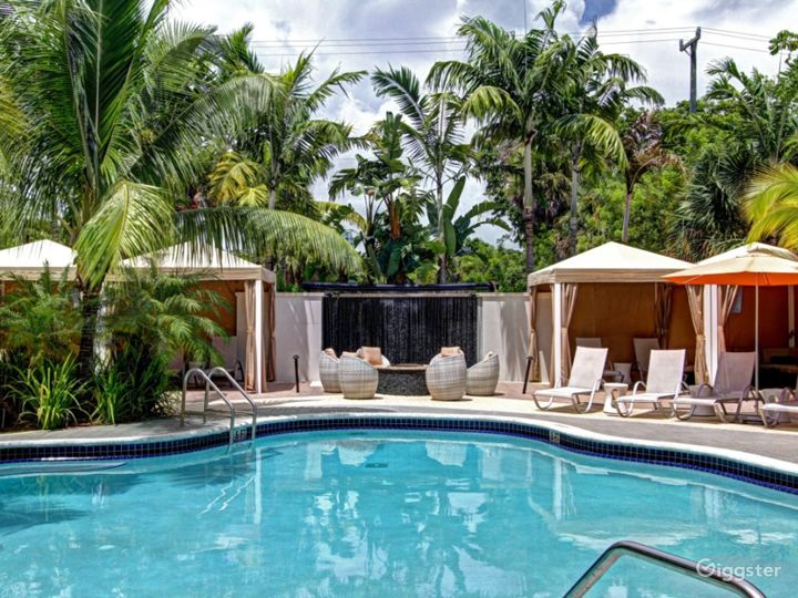 Refreshing Poolside Space and Bar in Brickell Photo 2