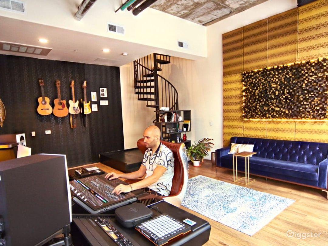 Downtown LA loft recording studio with pole room Photo 1