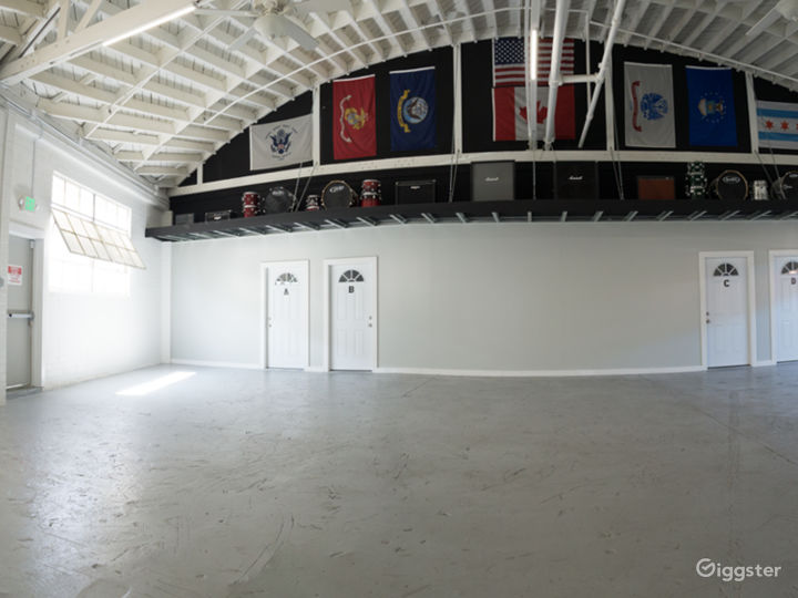 Bright Open Plan Warehouse in Central Culver City