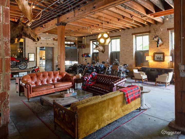 Large Logan Square Garage Space Photo 3