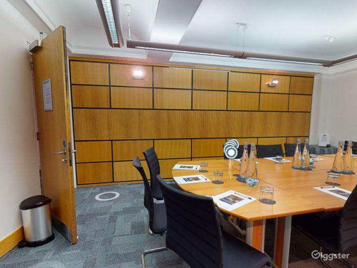 Coggan Room in London Photo 4