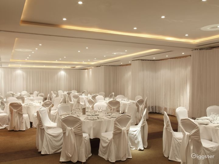 Spacious Meeting and Event Space with Reception Area in London Photo 2