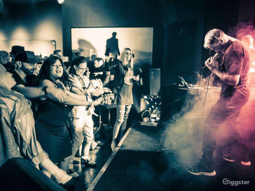 Glam Rock VIP Lounge & Concert Venue Photo 4