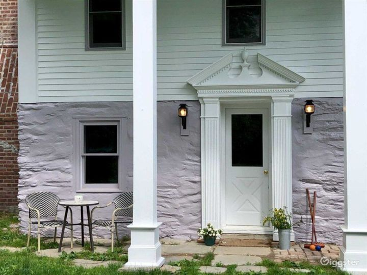 Charming Federal Style Home Photo 3